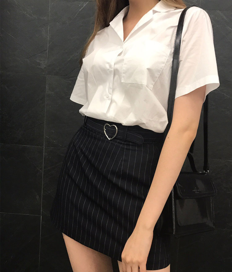 HEART CLUBPinstriped Heart Buckled Belt Skort