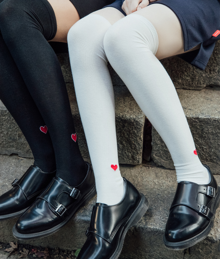 HEART CLUBHeart Detail Over-The-Knee Socks