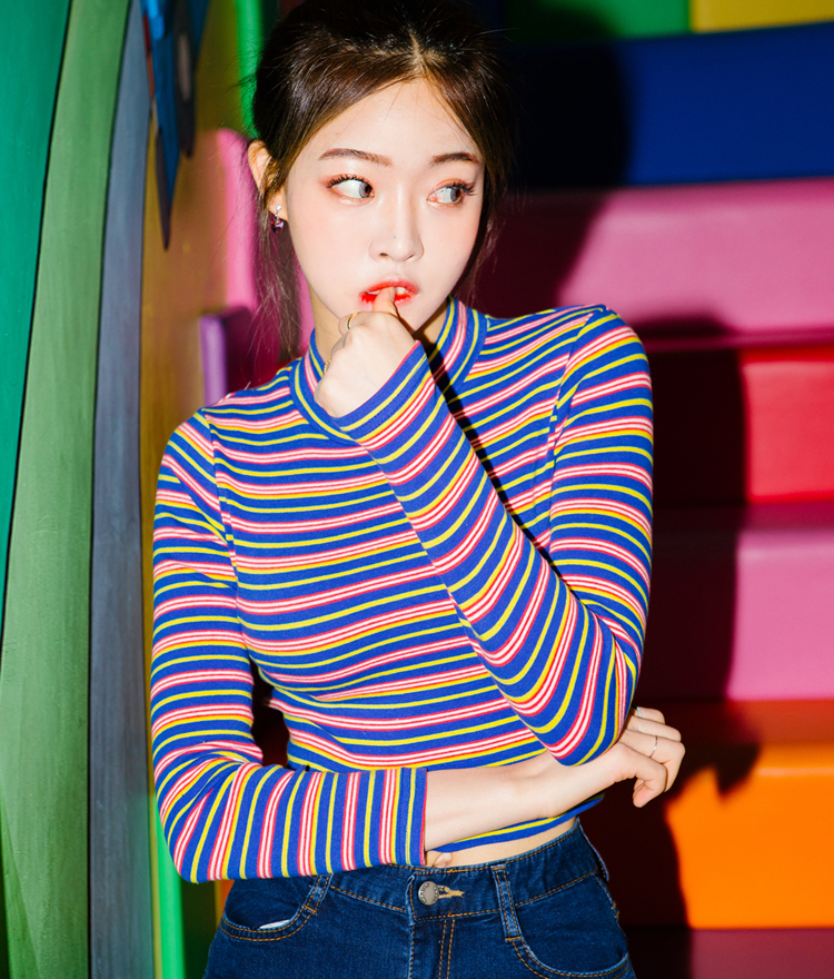 BAUHAUSStriped Mock Neck Crop Top