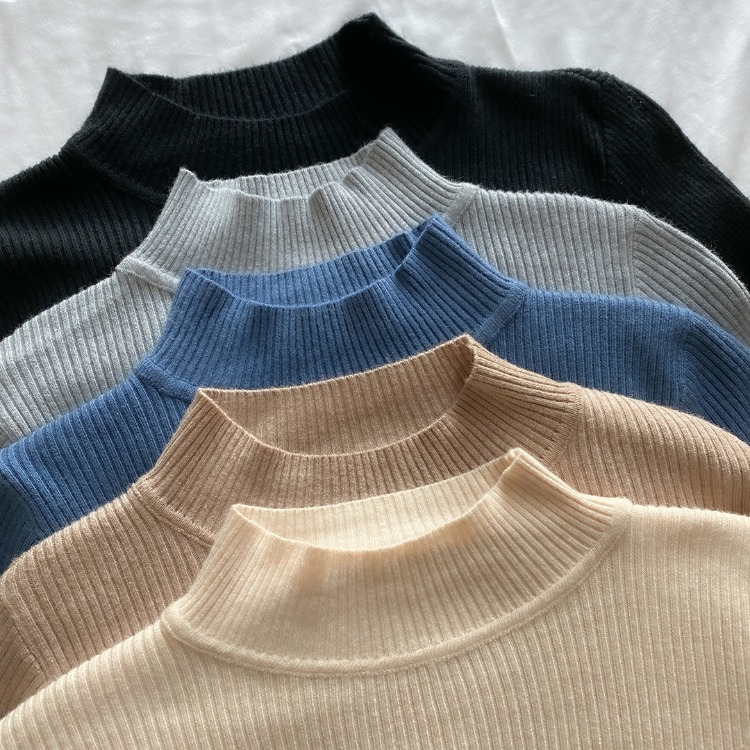 ROMANTIC MUSEMock Neck Ribbed Knit Top