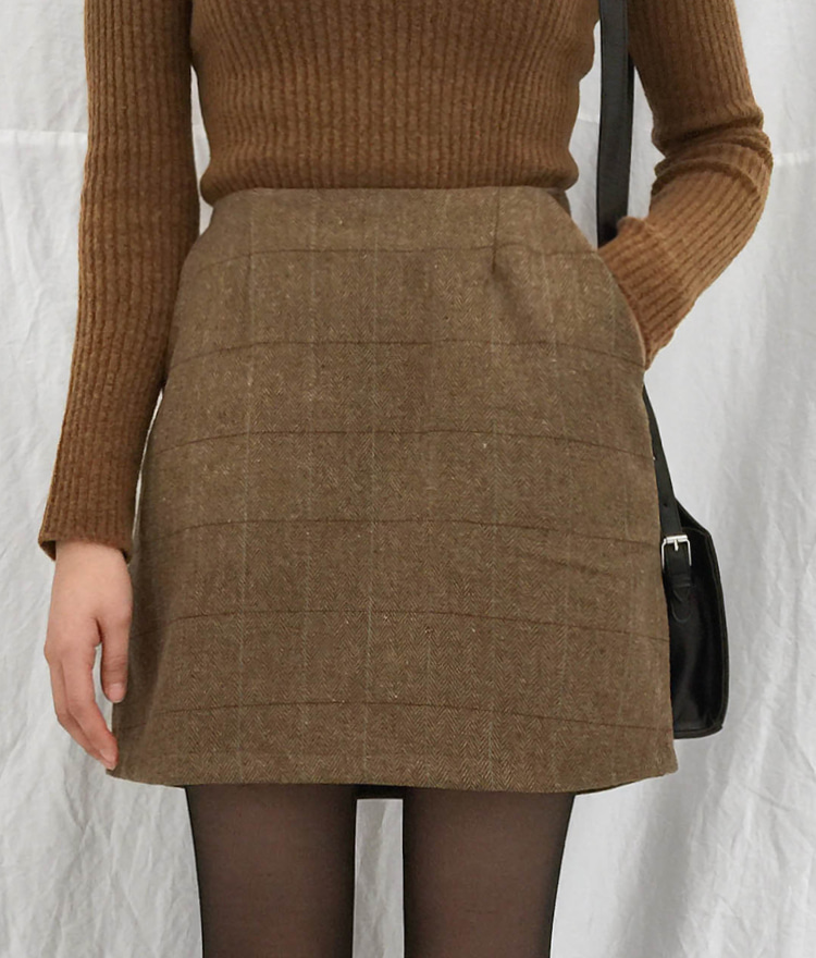 QUIETLABSide Pocket A-Line Check Skirt