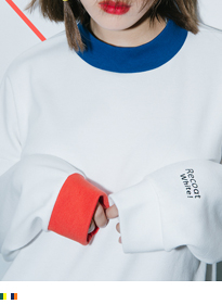 HIDE AND SEEKColor Accent Mock Neck Sweatshirt