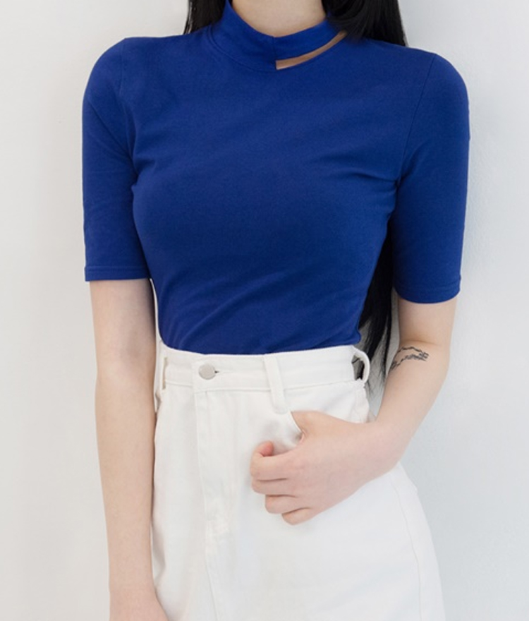Slit Detail Mock Neck T-Shirt